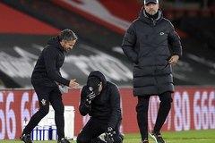 Đánh gục Liverpool, HLV Southampton khóc như mưa