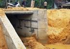 Cống trên tuyến đường 14,5 tỷ ở Thanh Hóa đang xây dựng đã bị sập
