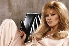 Bondgirl Tanya Roberts vẫn còn sống, không chết như tin đồn