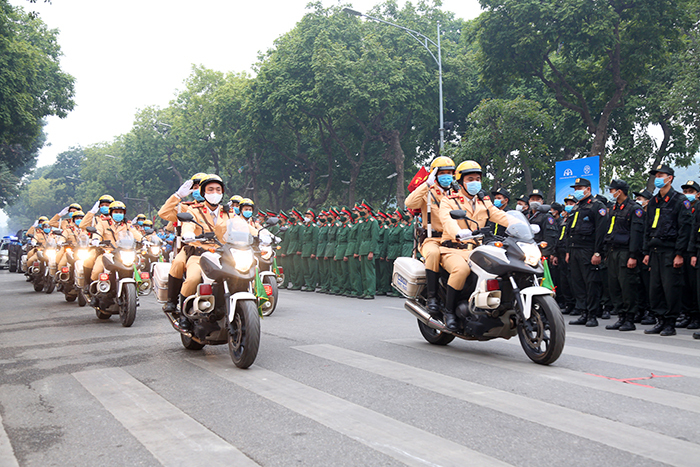 Phó Thủ tướng: Không vì Tết mà nể nang, xuê xoa xử lý vi phạm giao thông