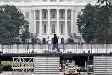 Mỹ điều động vệ binh quốc gia ở thủ đô phòng biểu tình