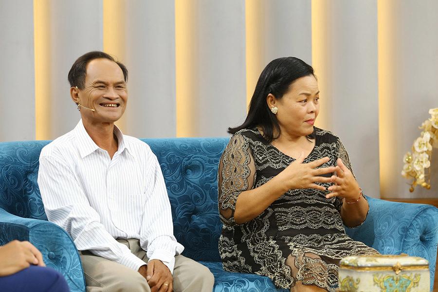 Vợ chồng 43 năm sống trên chiếc ghe 3m2