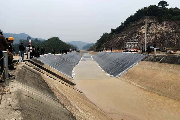 Thông dòng kênh 4.300 tỷ bị vỡ ở Thanh Hóa