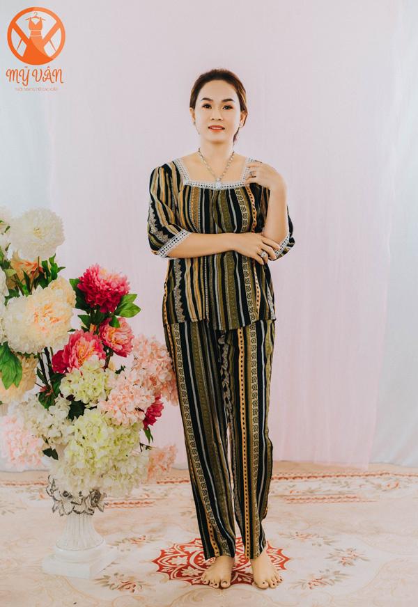 Những mẫu bộ đồ từ vải tole giá 199 nghìn đồng ở thời trang Mỹ Vân