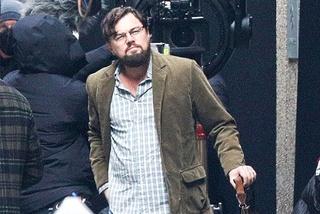 Leonardo DiCaprio lôi thôi, râu ria xồm xoàm trên phim trường mới