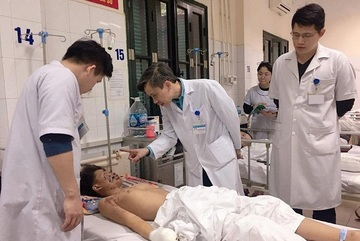 Pháo tự chế phát nổ, thiếu niên 15 tuổi thương tích nặng