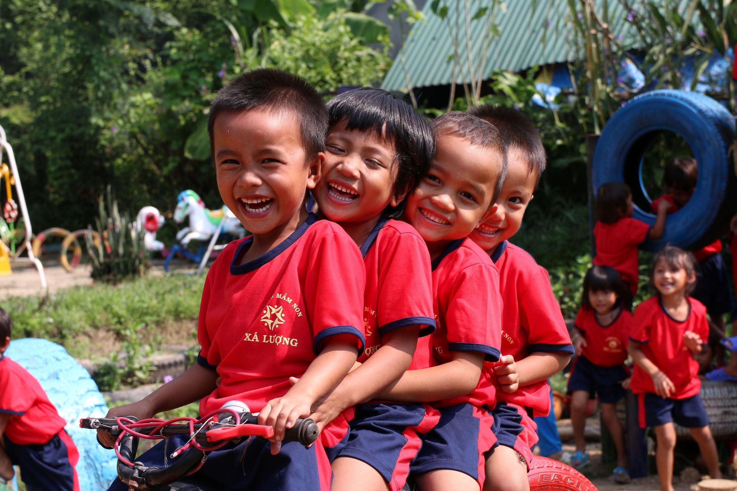 """""""Lắng nghe trẻ em bằng trái tim, bảo vệ trẻ em bằng hành động"""""""