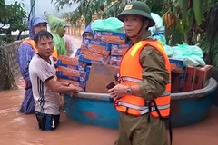Commune chair sacrificed his life to save others during floods in Quang Binh