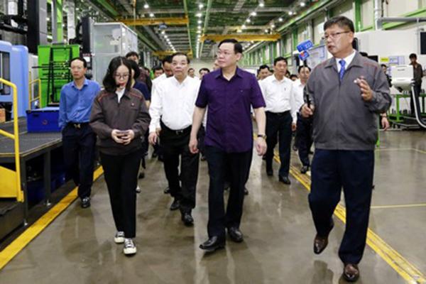 Vượt lên khó khăn do dịch bệnh, kinh tế Hà Nội khởi sắc năm 2020
