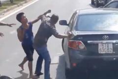 Văn hóa giao thông: Sau va chạm, đừng nói chuyện bằng nắm đấm