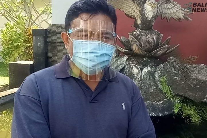Trường học cho sinh viên trả học phí bằng chùm ngây và rau má