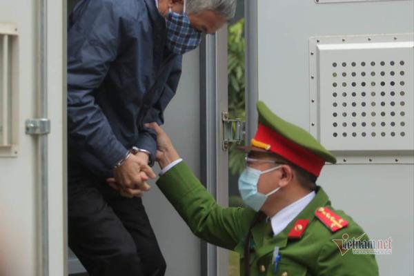 Triệu tập một nguyên Thứ trưởng đến phiên tòa xử cựu Bộ trưởng Vũ Huy Hoàng