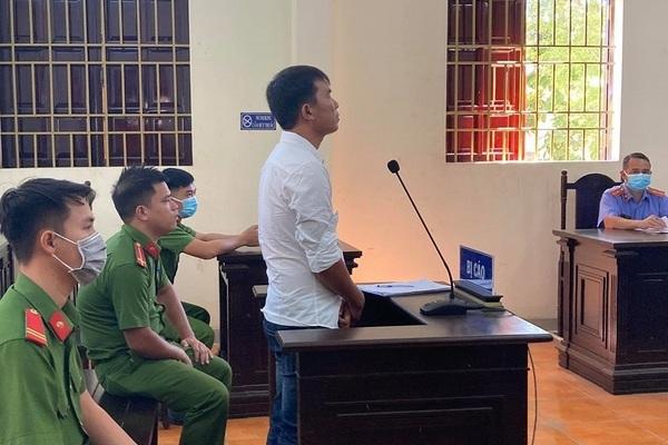 Lên Facebook lăng mạ lãnh đạo huyện, thanh niên ở Đồng Nai bị phạt 1 năm tù