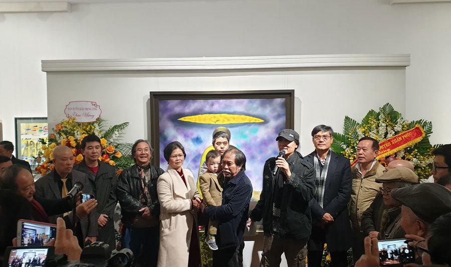 'Nguyễn Quang Thiều đưa chữ nghĩa vào tranh rất tài tình'