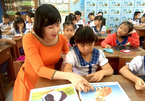 Teacher helps students with autism integrate