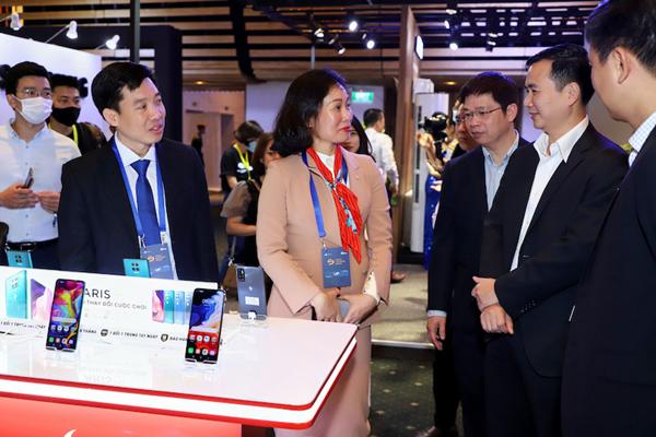 VinSmart trình diễn loạt sản phẩm công nghệ mới ở Tech Awards 2020