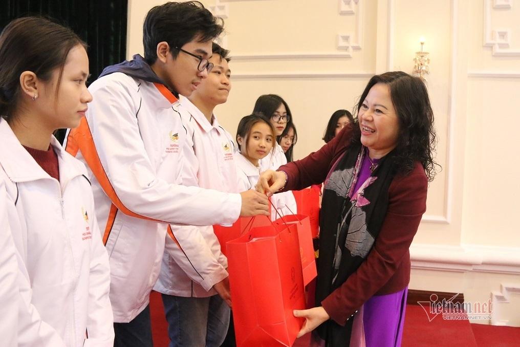 Tuyên dương học sinh giành giải Olympic quốc tế năm 2020