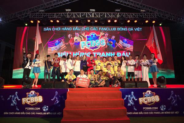Giải bóng đá 'Siêu hùng tranh đấu' đổ bộ miền Trung