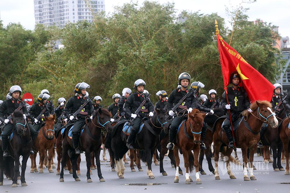 Diễn tập chống khủng bố bảo vệ Đại hội Đảng