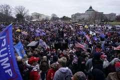 Số lượng khủng người bị bắt sau cuộc bạo loạn trên đồi Capitol