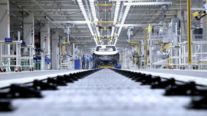 Vietnam vows to develop support industries for automobile industry