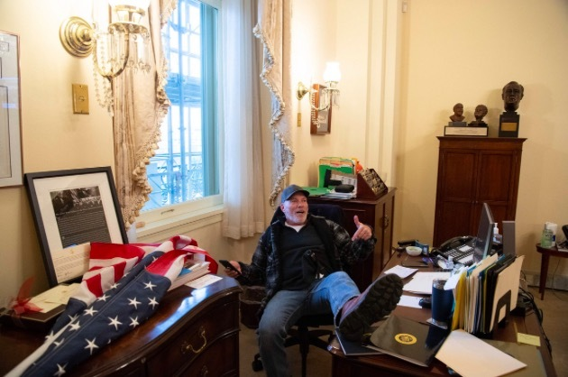 Mỹ lo mất tài liệu nhạy cảm trong vụ bạo động ở đồi Capitol