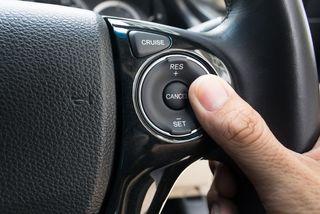 Cruise control có phải tính năng thừa trên xe?