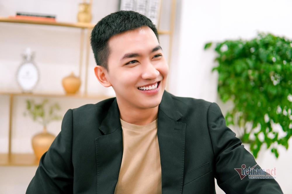 vo canh toi bi don la trai bao nhung mai van ngheo 3 Sao Việt hôm nay 25/2: Phút bình yên của Chí Trung và bạn gái ở quê