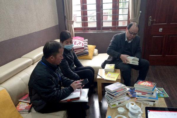 Thu giữ khoảng 40.000 cuốn sách giảtại 2 địa điểm ở Hà Nội