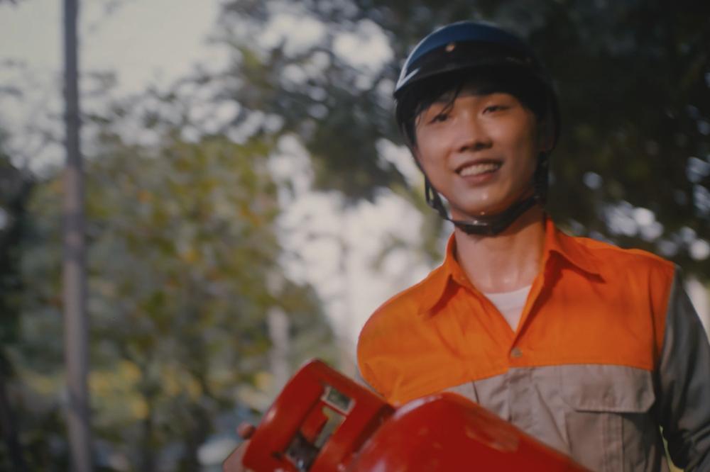 Karik trở lại với MV xúc động về Tết cùng Phan Mạnh Quỳnh