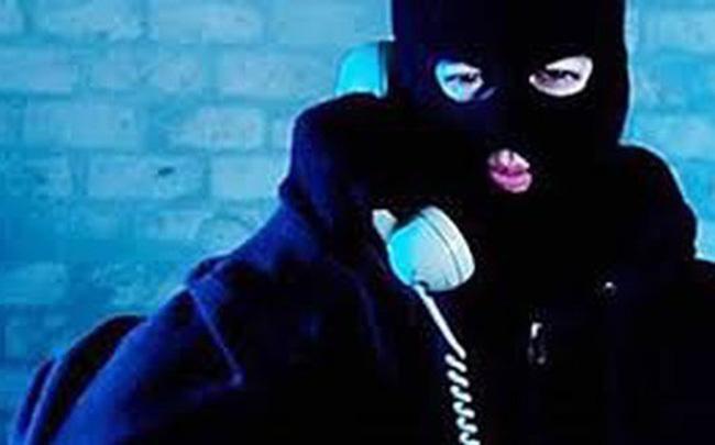 Cụ ông mất gần 1 tỷ đồng sau cuộc điện thoại từ phụ nữ lạ