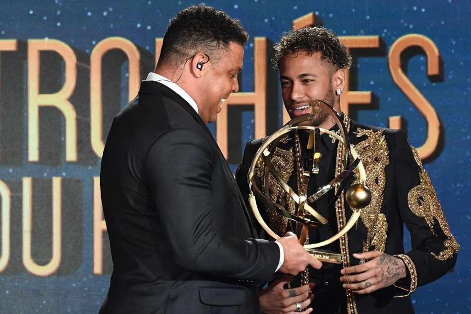Ronaldo 'béo': Đá bóng hay, kiếm tiền giỏi