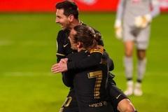 """""""Song sát"""" Messi - Griezmann giúp Barca thắng hoành tráng"""