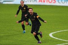 Messi tiếp tục 'lên đồng', HLV Koeman nói sự thật Barca