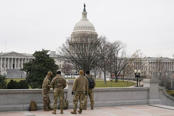Mỹ xem xét triển khai binh sĩ có vũ trang đến thủ đô