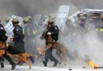 Cảnh diễn tập bảo vệ Đại hội Đảng, chống khủng bố bắt cóc con tin
