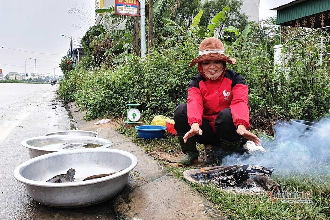 Rét 'cắt da cắt thịt', người dân ở Nghệ An đốt lửa chống chọi