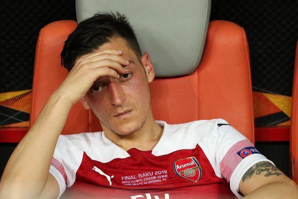 Declan Rice phũ MU, Ozil cho Arsenal 'trả góp'