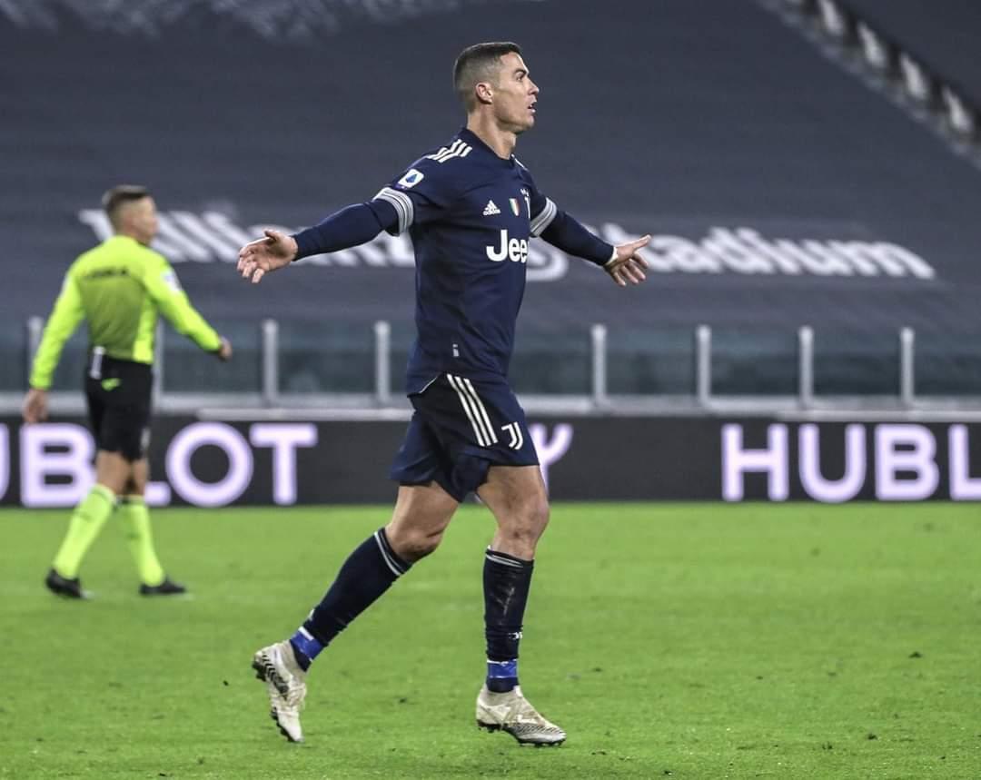 Ronaldo lập kỷ lục, Juventus trở lại top 4