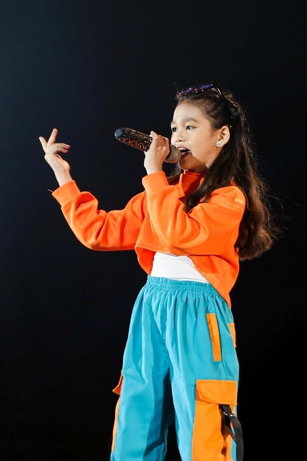 Vũ Cát Tường sửng sốt trước cô bé 13 tuổi hát về nguyên tố Hóa học
