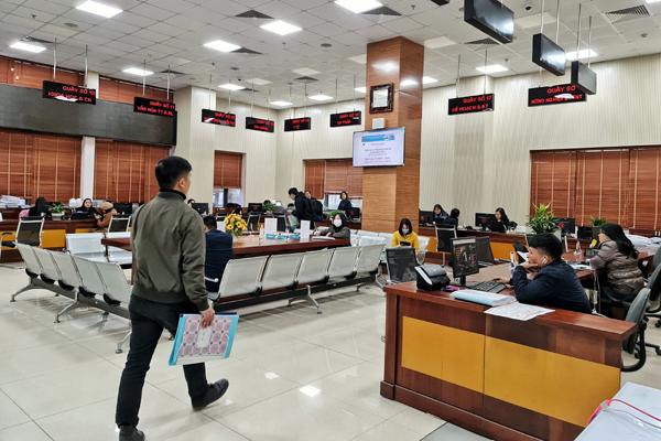 Khối hồ sơ khổng lồ được xử lý tại Trung tâm Hành chính công Bắc Ninh