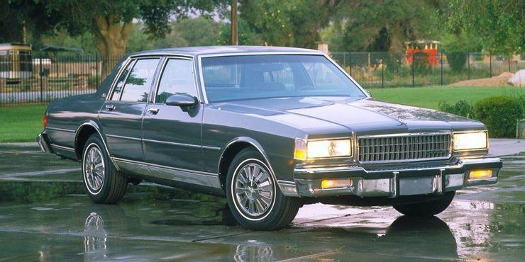 Khám phá 10 chiếc xe cổ gầm thấp hoàn hảo nhất