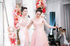 Bạn gái kém 16 tuổi của Chi Bảo hát song ca cùng Ngọc Trinh