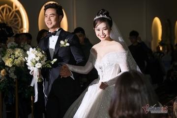 MC Thùy Linh VTV xinh đẹp trong lễ cưới với diễn viên Hiếu Su
