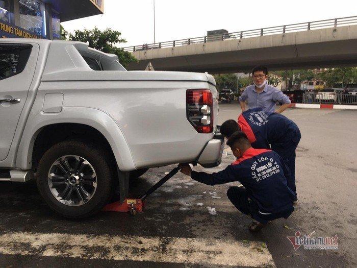 Kiểm tra, chăm sóc lốp xe thế nào để yên tâm trước những chuyến đi xa