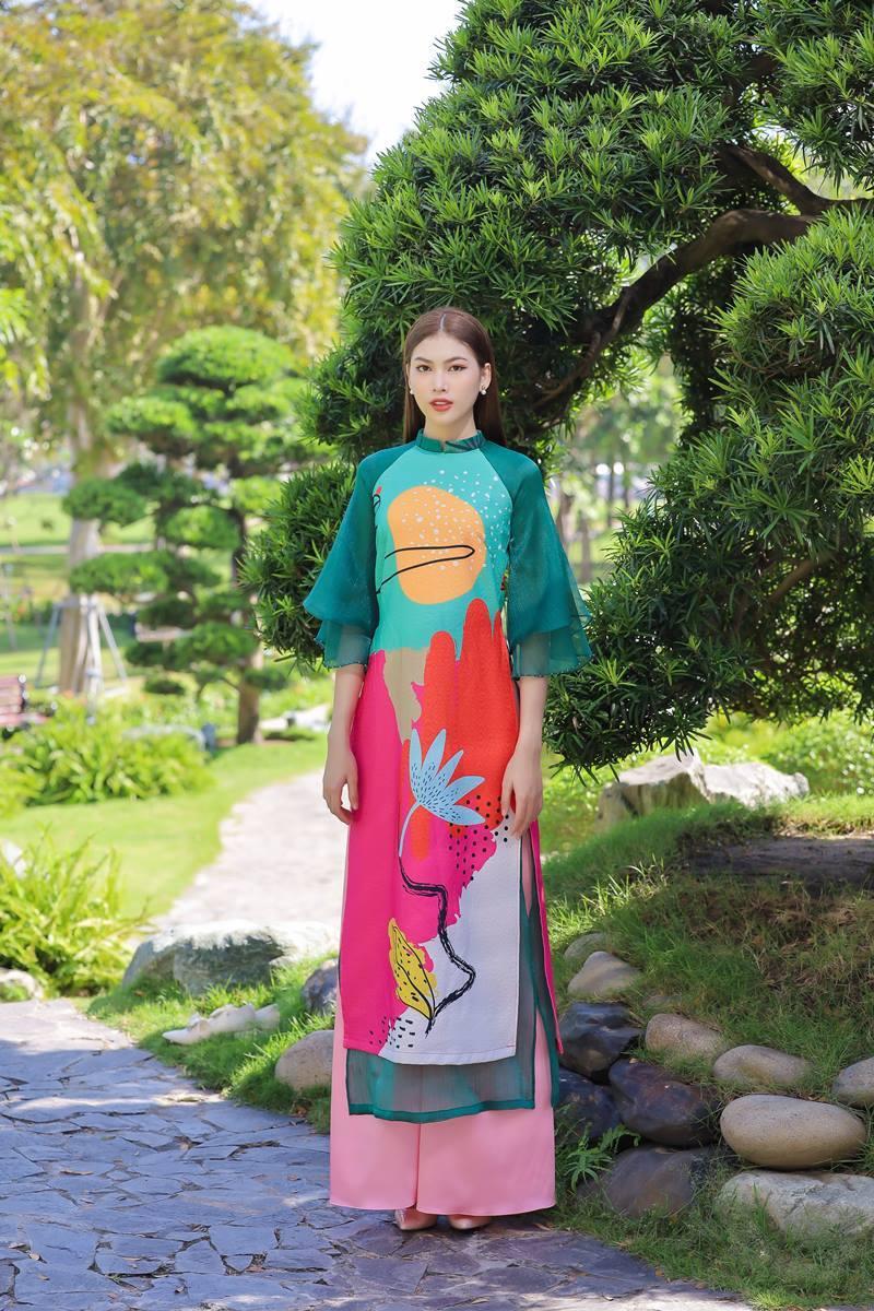 Á hậu Phương Anh, Ngọc Thảo rạng rỡ, yêu kiều trong tà áo dài cách tân