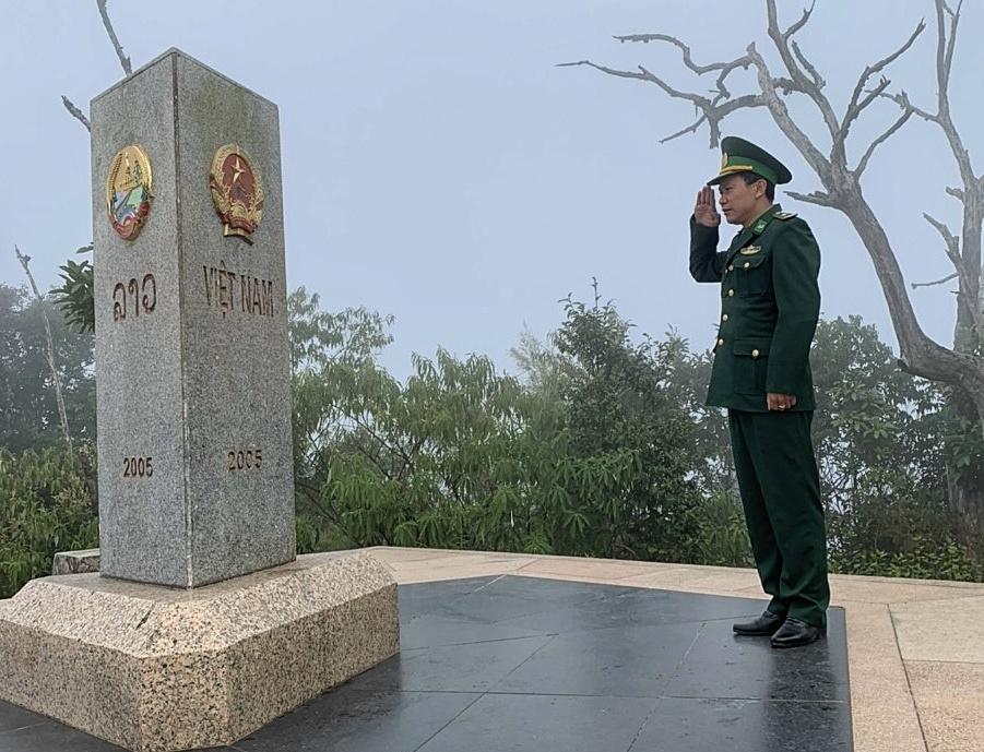 Băng giá bao phủ nơi ngã ba biên giới cực tây Tổ quốc