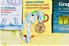 Special gifts for teachers of IMO medalists