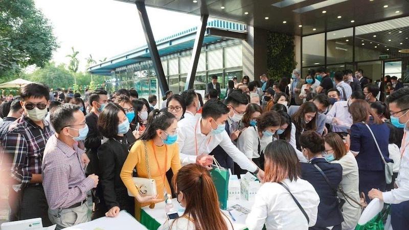 Náo loạn nhà đất Hà Nội, dự án xanh cỏ cả thập kỷ hét giá 100 triệu/m2