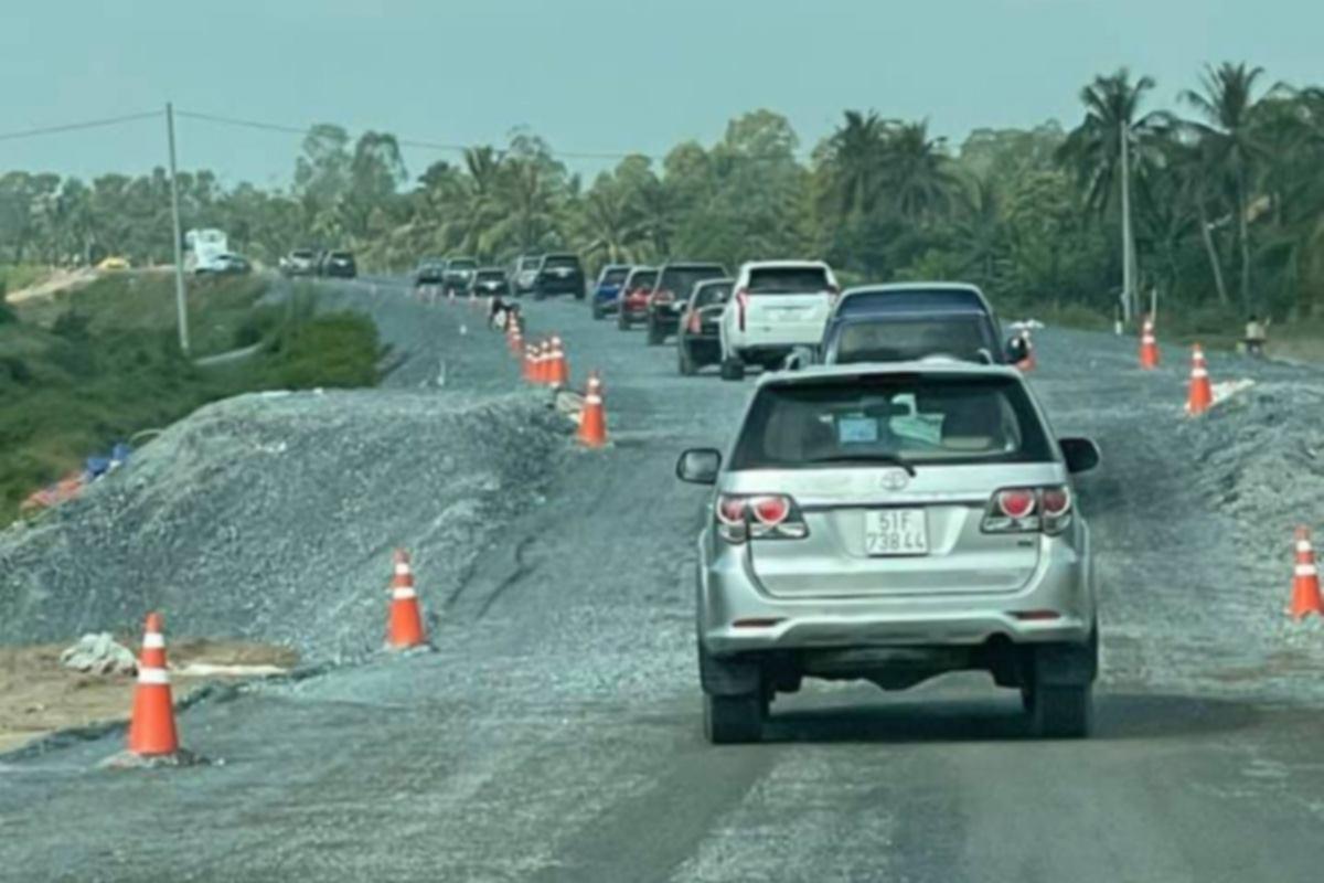 Cao tốc Trung Lương - Mỹ Thuận chỉ cho xe chạy khi QL1 ùn tắc